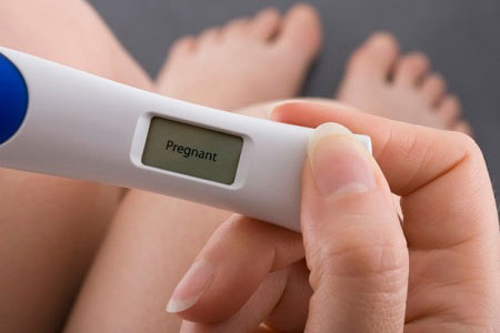 Когда нужно делать тест на беременность после зачатия